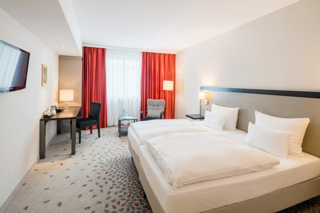 Bielefelder Hof Hotelzimmer Bett