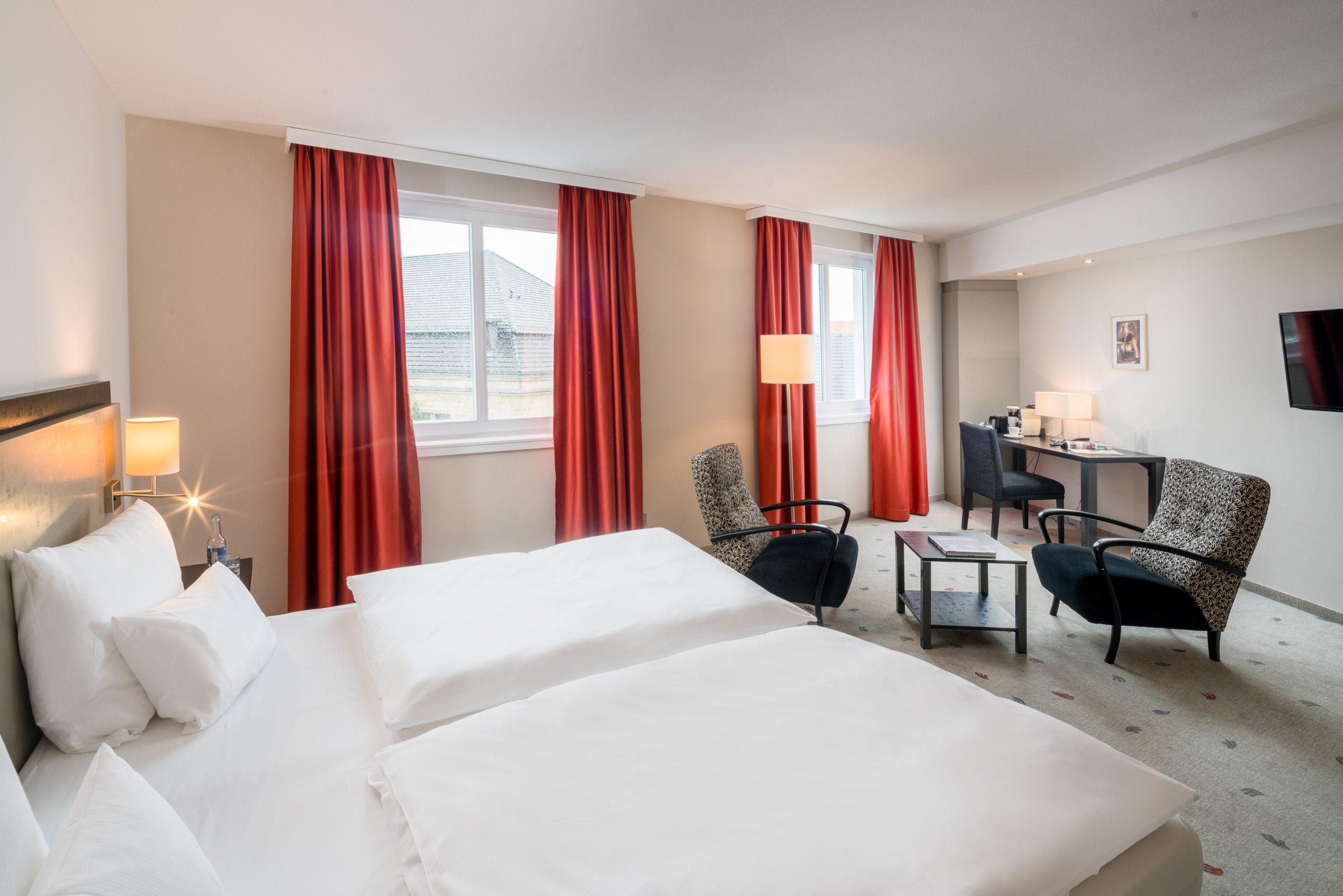 Bielefelder Hof großes Hotelzimmer
