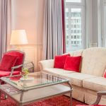 Bielefelder Hof edles Hotelzimmer Sitzecke